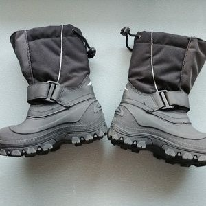Tundra Quebec Boys Size 11 Winter Snow Boots Black